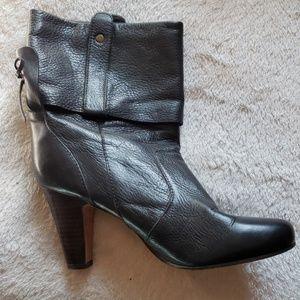 DOLCE VITA black leather booties size 8.5